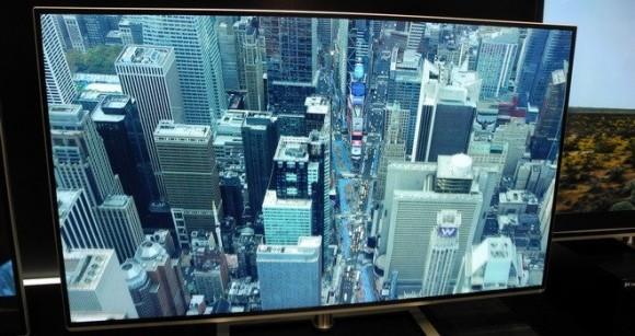 Televisor 4K de Toshiba mostrado en el CES 2013. Ahora solo falta que emitan en 4K, y lo que es más importante, que pongan algo que valga la pena ver…