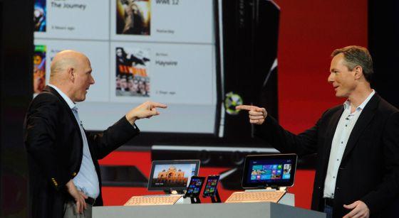 Los CEO de Microsoft y Qualcomm durante el CES 2013, ayer mismo.
