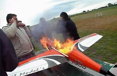 """Si el sueño de un aeromodelista acaba hecho cenizas, la culpa suele ser de la """"Lipo""""..."""