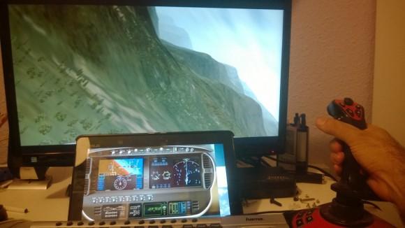 El sueño de cualquier aficionado a la simulación aérea que no pueda tener una cabina virtual como Dios manda...