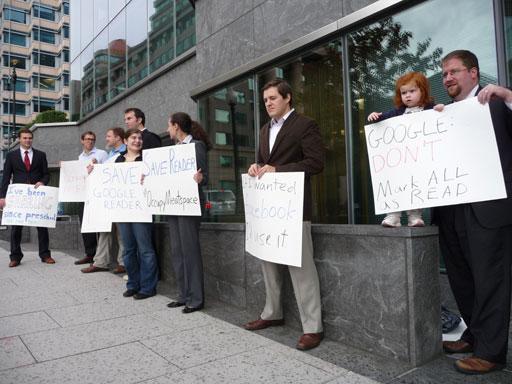 manifestación por el cierre de google reader