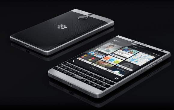BlackBerry_Passoport_Silver_Edition
